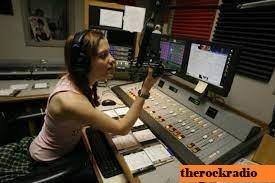 10 Stasiun Radio Terbaik di Miami